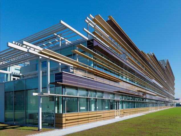 Archi love pannelli solari pannelli fotovoltaici e for Edificio a 3 piani