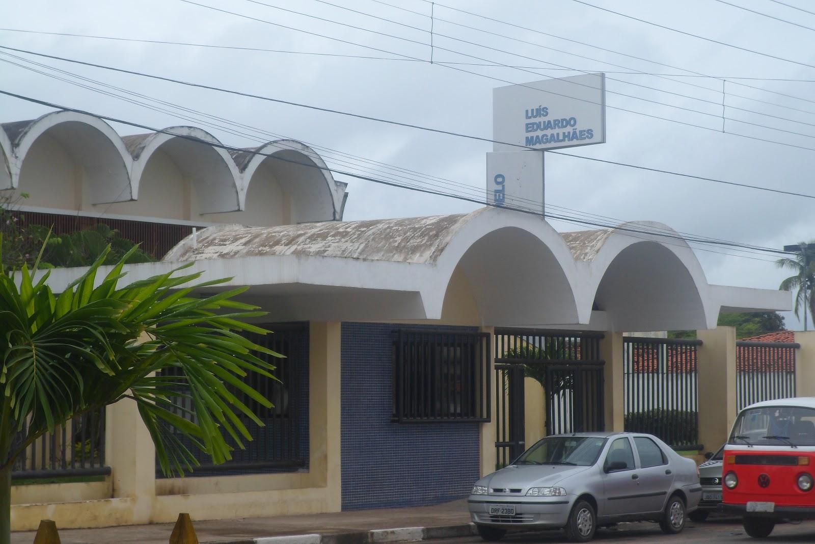 #495E1C prédio escolar está construído em alvenaria murado atendendo  1600x1067 px Banheiro Deficiente Minimo 3409