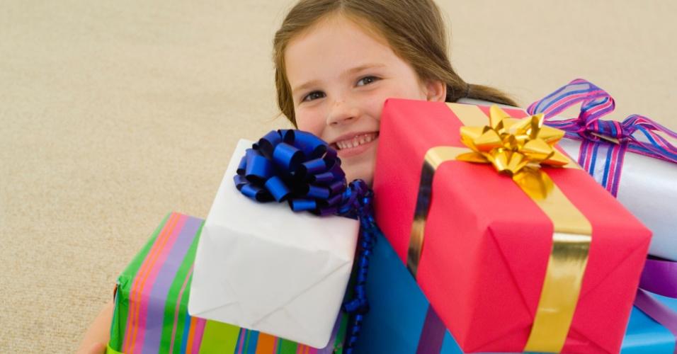 Искать подарки с детьми