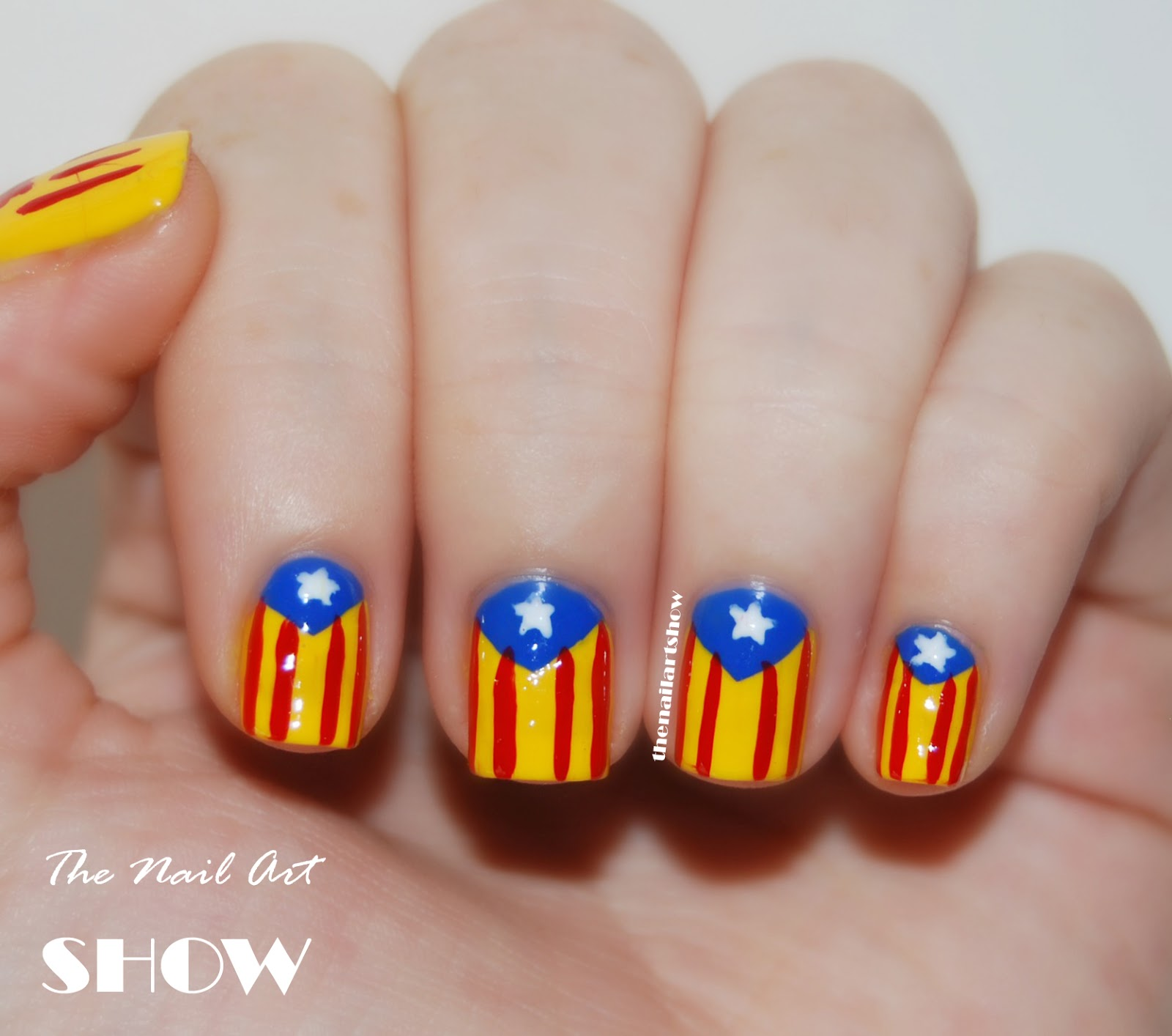 The Nail Art Show Just A 19 Year Old Girl That Loves Painting Her