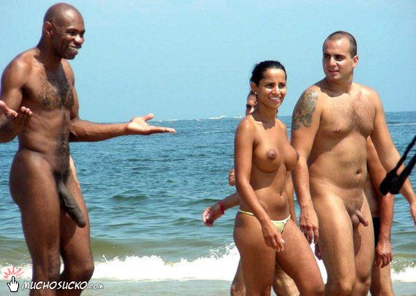 gatas lindas sexo na praia de nudismo