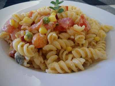 Δροσερή σαλάτα ζυμαρικών