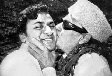 MGR & Kannada Actor Raj Kumar