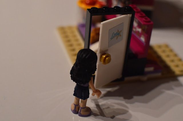 LEGO Friends Pop Star Dressing Room Review 41104