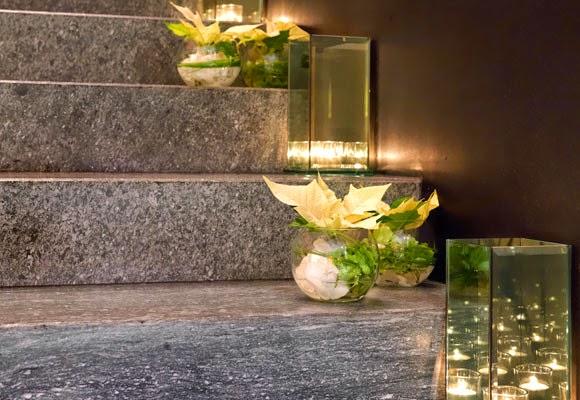 El blog de honeymoon como decorar una escalera para una boda for Decoraciones internas