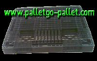 pallet nhựa đen kích thước tiêu chuẩn giá 200.000 đ/cái chưa vat và vận chuyển, pallet còn mới 95%