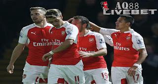 """Agen Piala Eropa - Kemenangan besar diraih Arsenal saat melawat ke Watford. Sempat dibuat kesulitan di babak pertama, """"The Gunners"""" akhirnya pulang membawa keunggulan 3-0."""