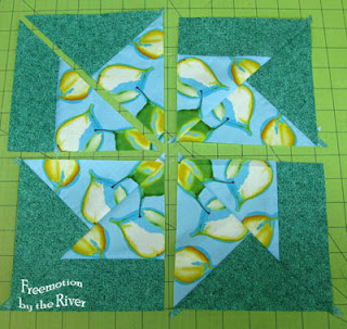 piecing the Spinning Pinwheels