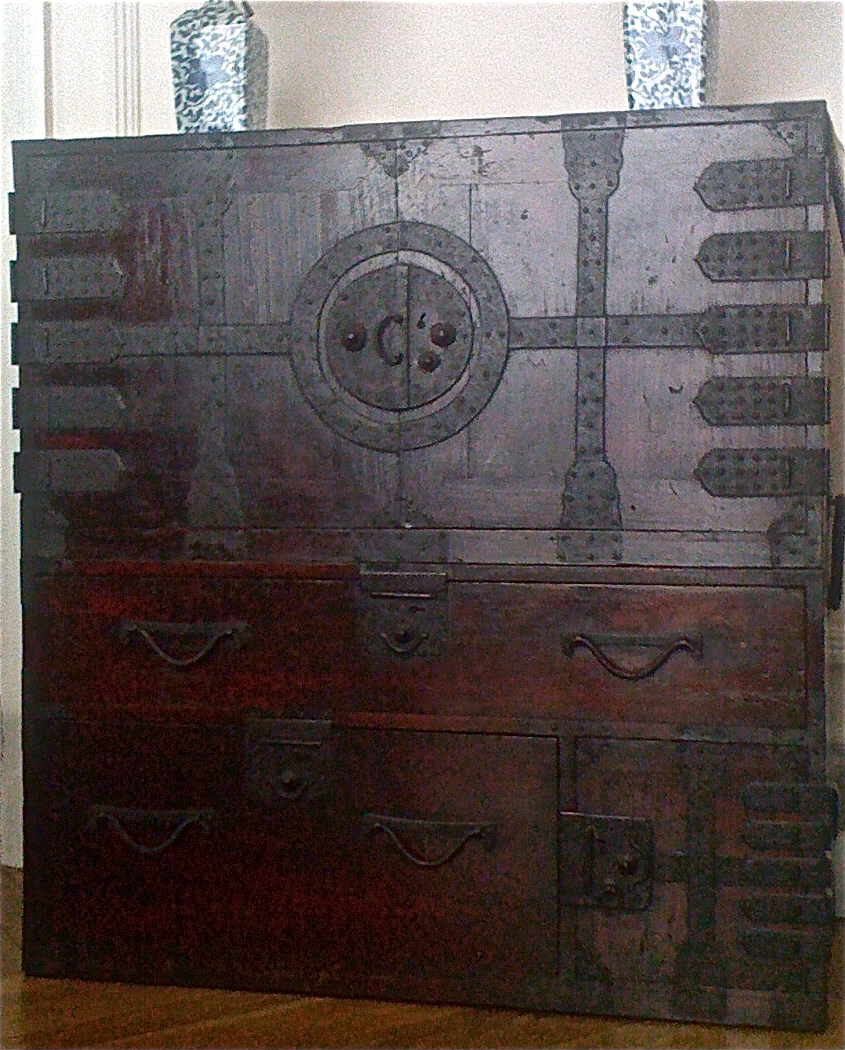 Manunews le vrai meuble japonais for Meuble japonais ancien