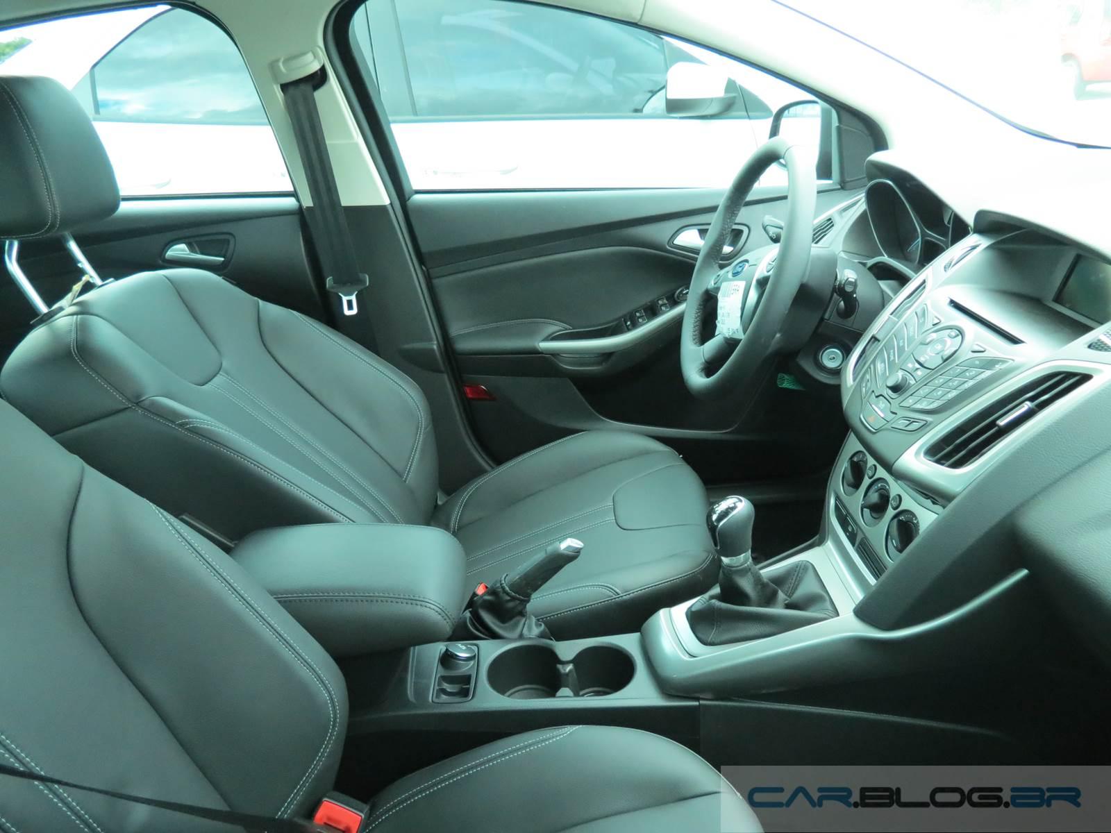 Ford focus se 1 6 2015 interior