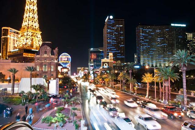 Green-Pear-Diaries-Las-Vegas-USA_Alexandra-Proaño
