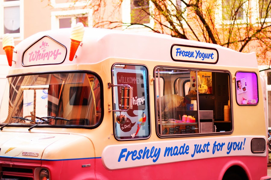 mr whippy frozen yoghurt van