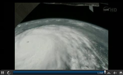ISS überfliegt Hurrkan IRENE LIVE!!! (NASA-TV)