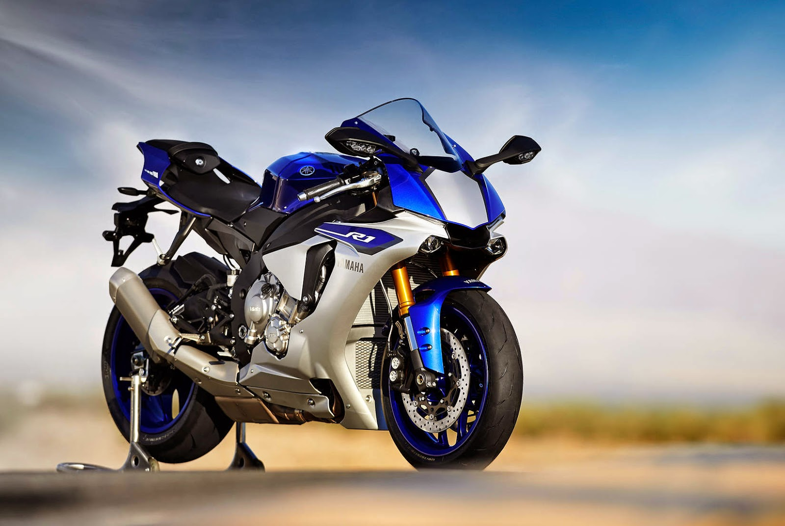 Newly Launched Yamaha YZF R1M In India 2015