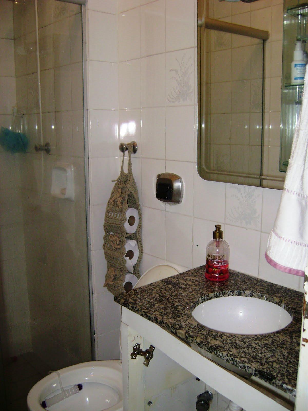 Blog da Lidiana Braziolli: Era uma vez Um palet dois caixotes de  #5E4D36 1200x1600 Armario Banheiro Antigo