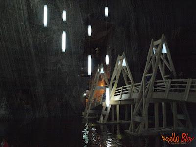 Pod peste lacul din Salina