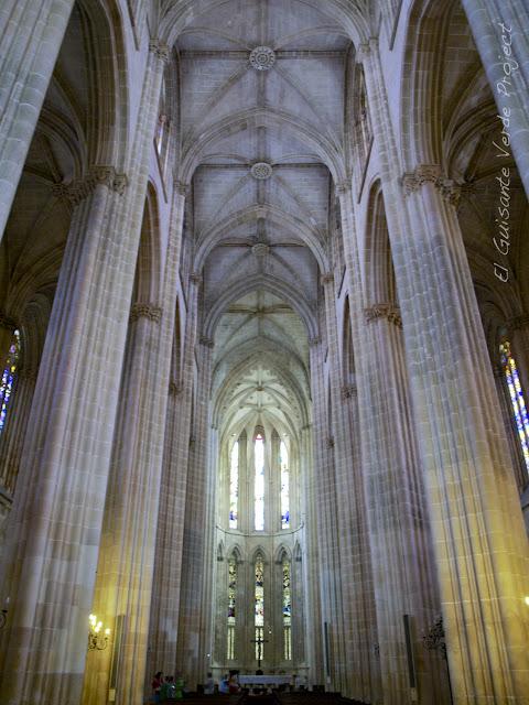 Nave Principal de la iglesia del Monasterio de Batalla - El Guisante Verde Project