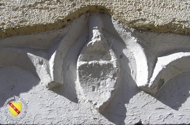 GONDREVILLE (54) - Village - Fenêtre gothique
