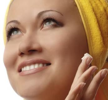 La crema de belleza barata para la piel problemática