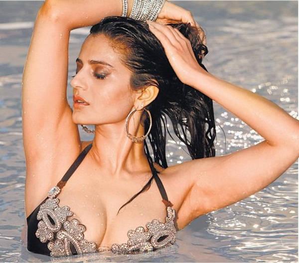 Amisha Patel Crystal Bikini By Komak Sahani