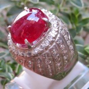 Cincin Merah Delima Ruby