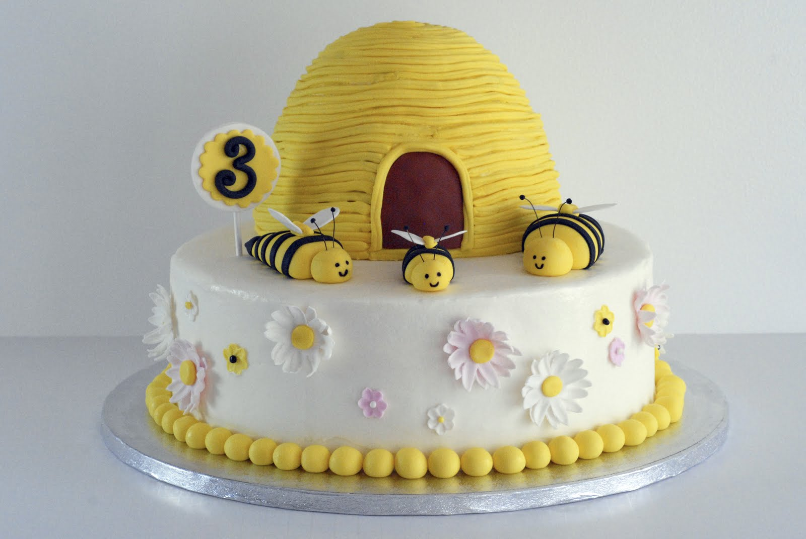 Night Baking 3rd Birthday Bumblebee Cake