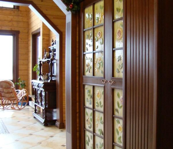 Дверные вставки с росписью золотой краской и фьюзингом