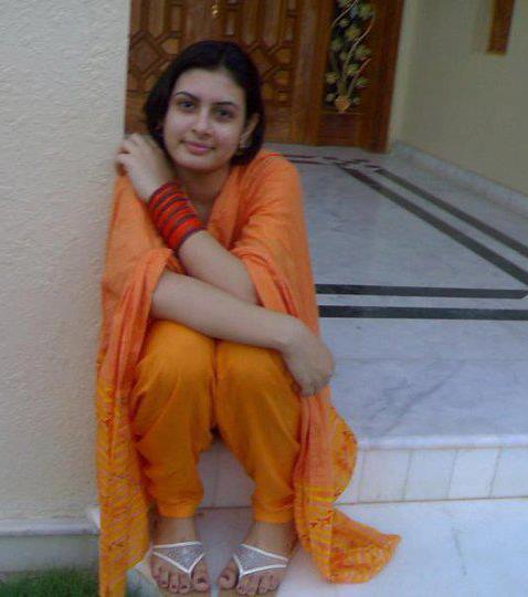 Indian Designer Salwar kameez - Desi Butik