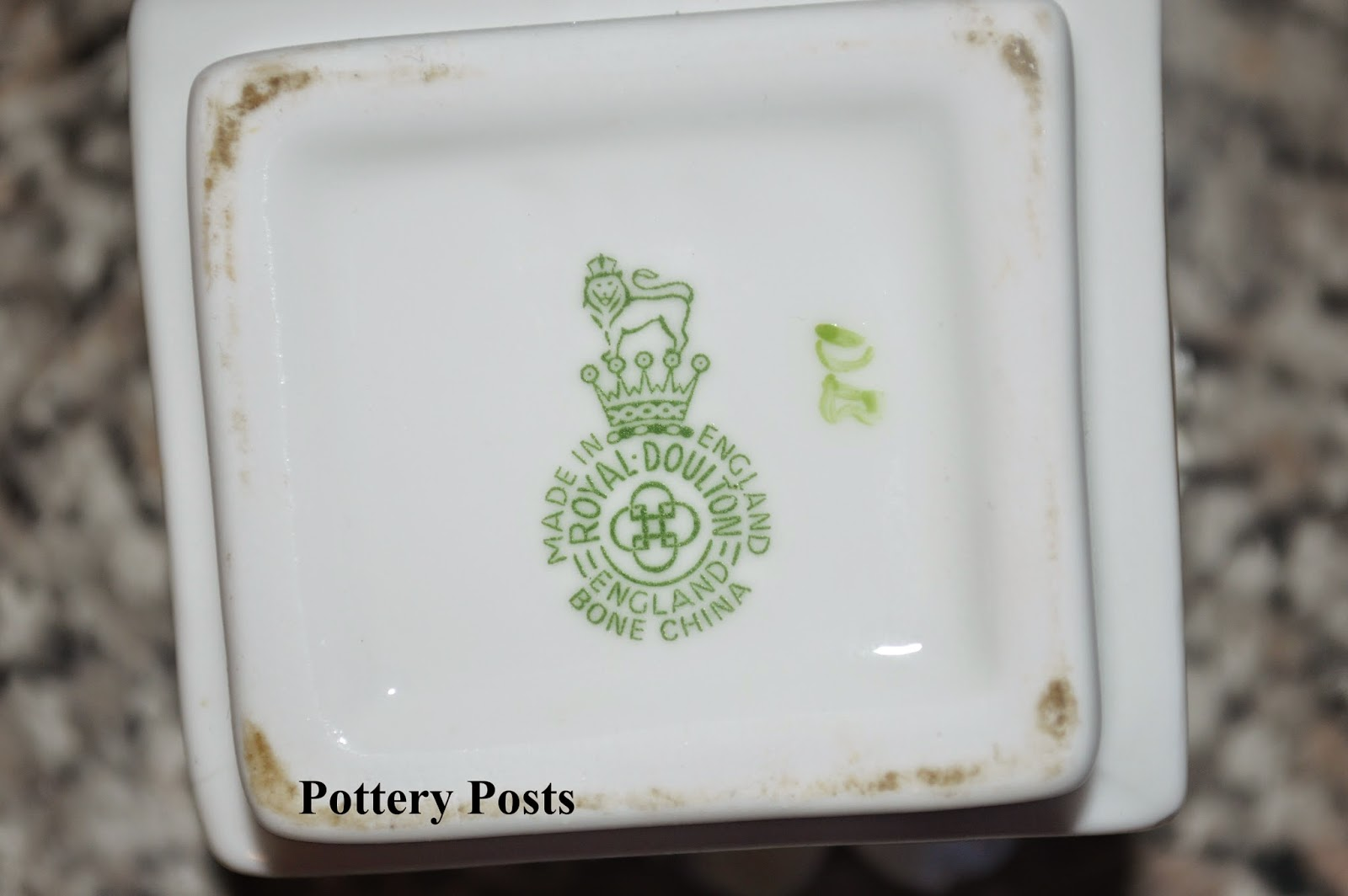 dating crown devon pottery This is an occasional blog about crown ducal pottery crown ducal backstamps part 1, 1915 i know i will make errors with the dating of these marks but if.