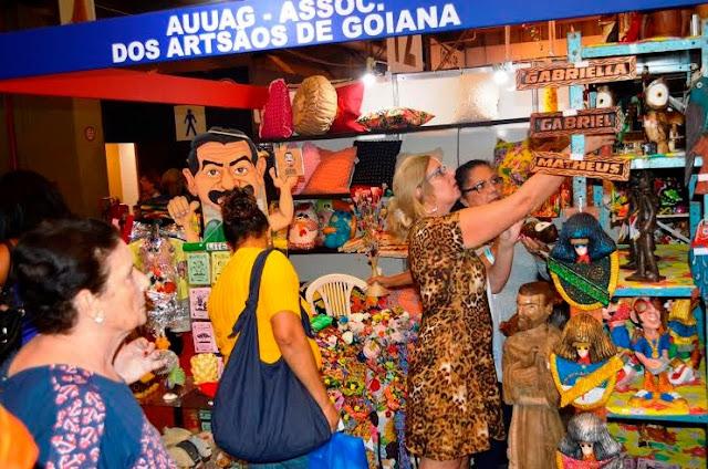 http://www.blogdofelipeandrade.com.br/2015/07/goiana-presente-fenearte-2015.html