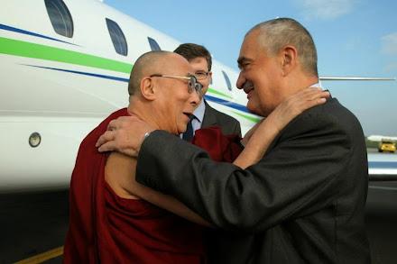 Dalajlama v Praze přivítání...