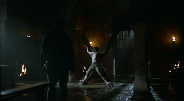 El desconocido que tortura a Theon - Juego de Tronos en los siete reinos