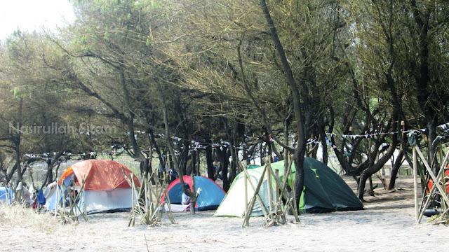Deretan tenda para peserta camping bareng Greenpeace Indonesia