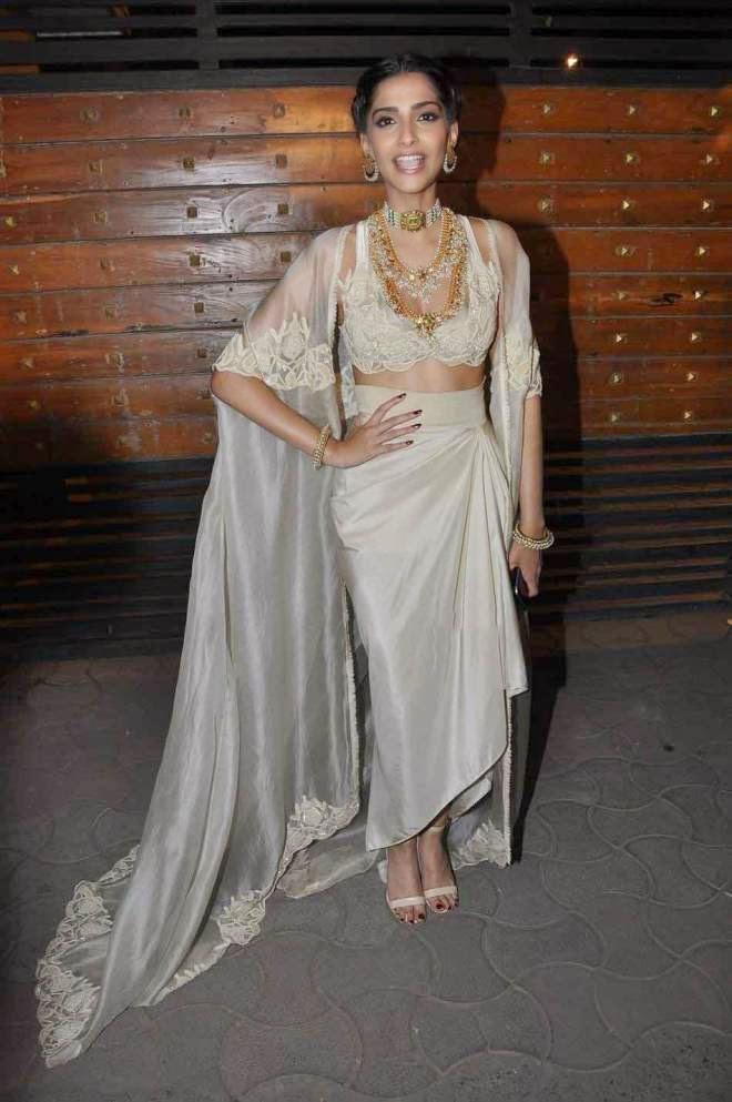 Sonam Kapoor Glamorous Photos