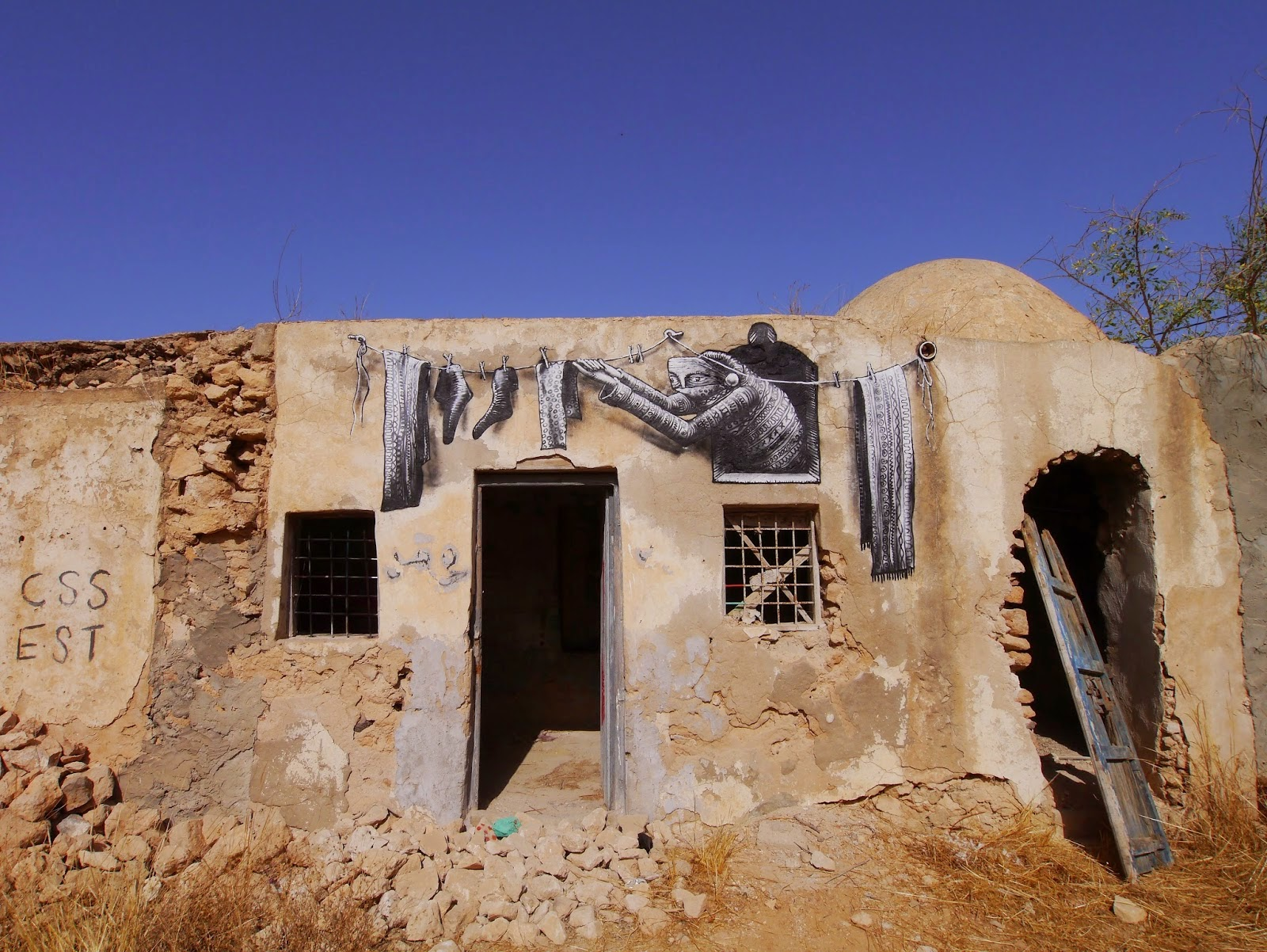 Phlegm is currently in North Africa where he painted in the searing heat in the village Erriadh, on the island of Djerba, Tunisa.