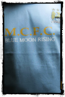 kaos bola blue moon rising