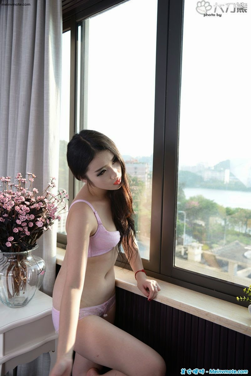 Mature woman breasts Banlu lonely days