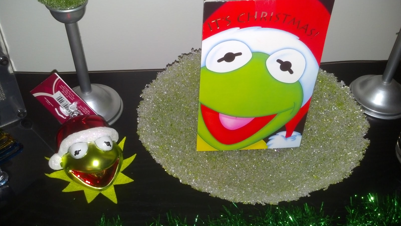 Take a Picture: Christmas Pic Challenge - Day 4 - Kermit Christmas
