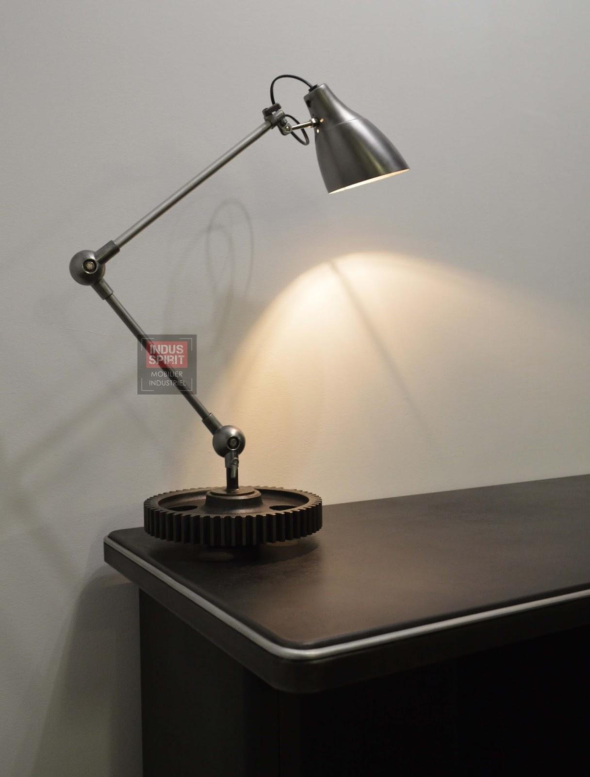 lampe de bureau style industriel. Black Bedroom Furniture Sets. Home Design Ideas