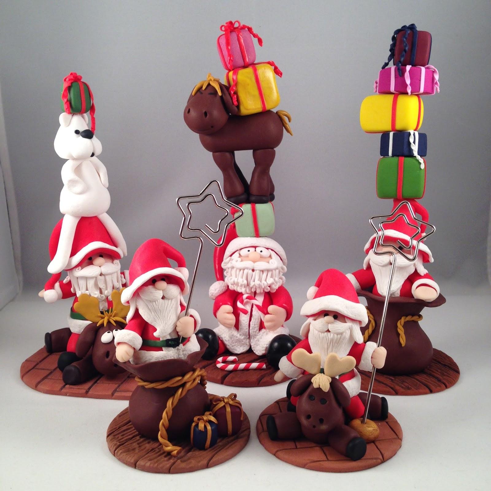 Conosciuto ilfilodelleidee: La banda dei Babbo Natale in fimo IH11
