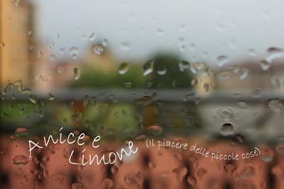 Abbraccio di fichi in quartirolo, abbracciati da crudo sotto la pioggia (in vasi di rucola)