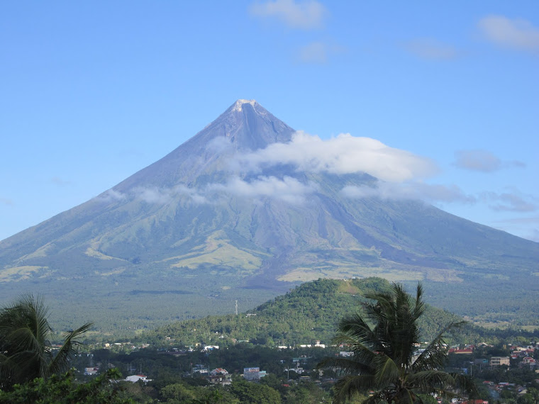 mayon volcano in philippines - photo #16
