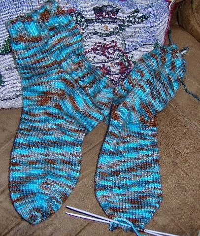 Knit Kitchener Stitch To Finish A Sock : sew n sews: Shawl and Socks
