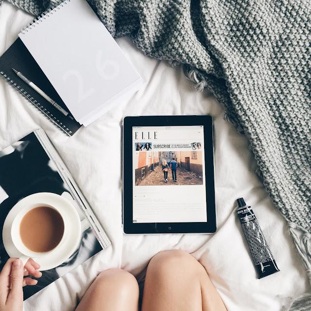 instagram-flatlay-style-monochrome