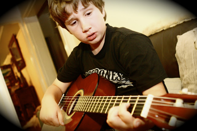 Young Talent – Guitarist!