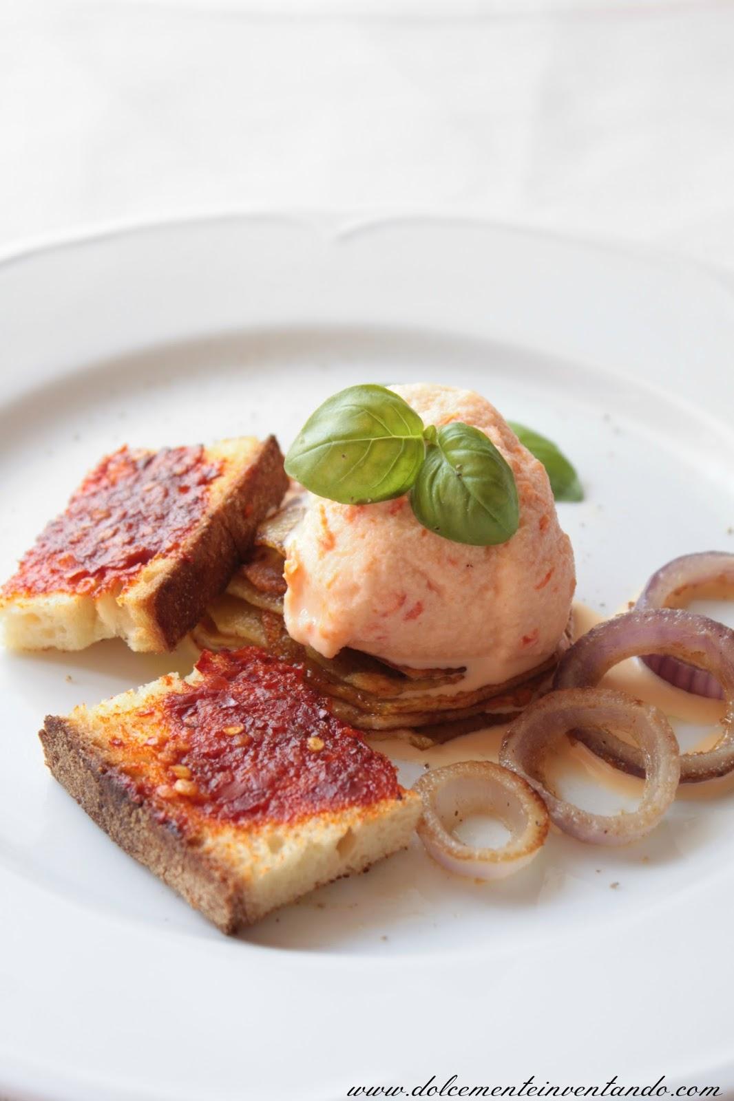 millefoglie di patate e basilico con gelato gastronomico al peperone, crostini alla 'nduja e rings di cipolla di tropea