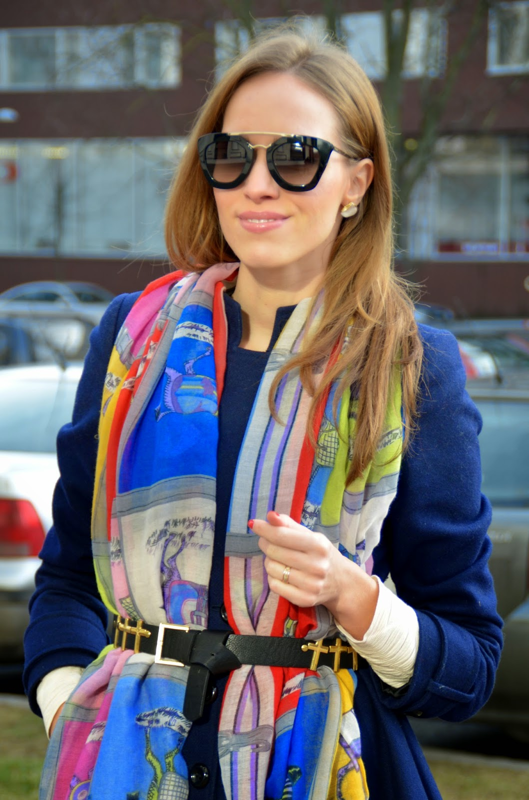colorful-scarf-gina-tricot-black-gold-belt-prada-sunglasses