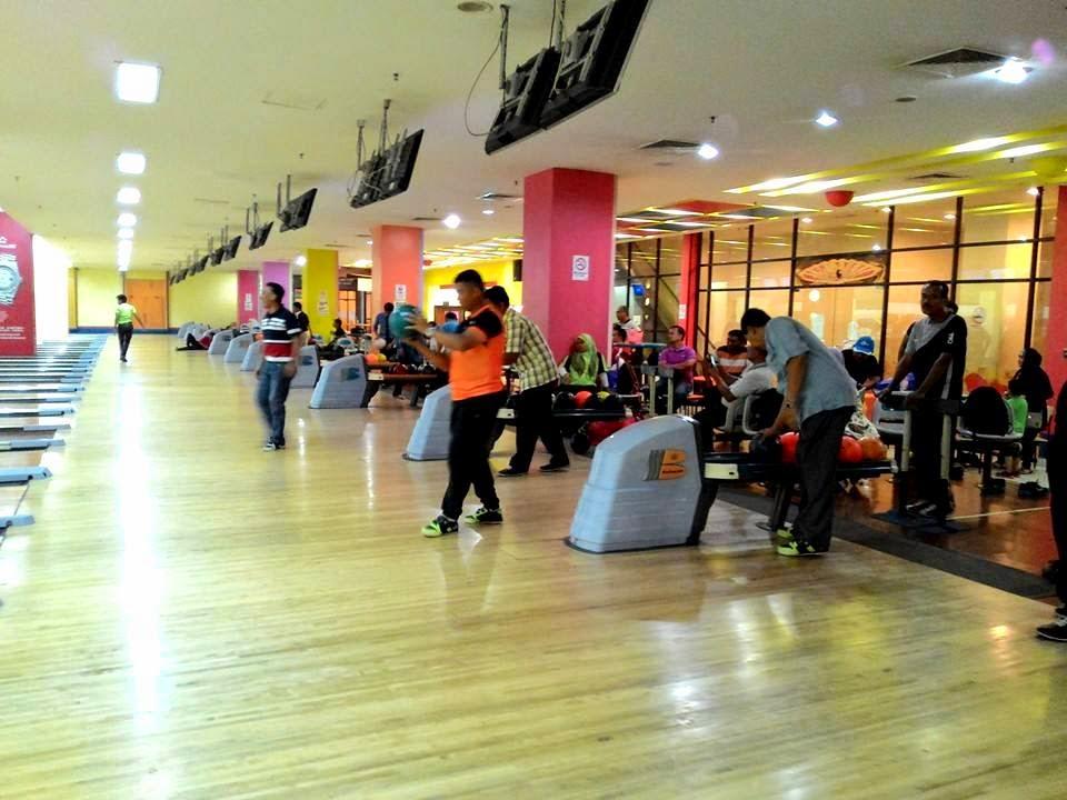 Perlawanan Bowling bersama anggota dan sukarelawan Parol WPKL