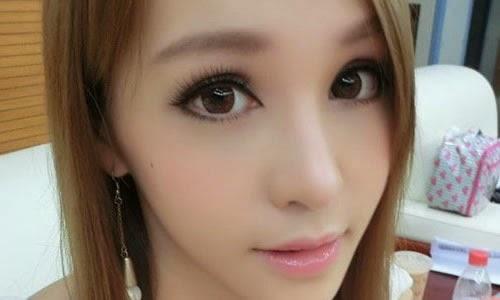 Mia Chan 2