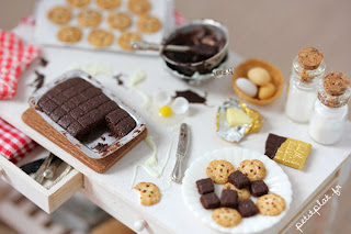Miniature Kitchen Table - Cookies and Brownies